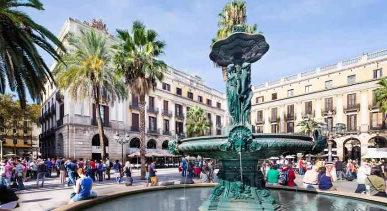 Hotel-Do-Placa-Reial-near-Las-Ramblas-Barcelona