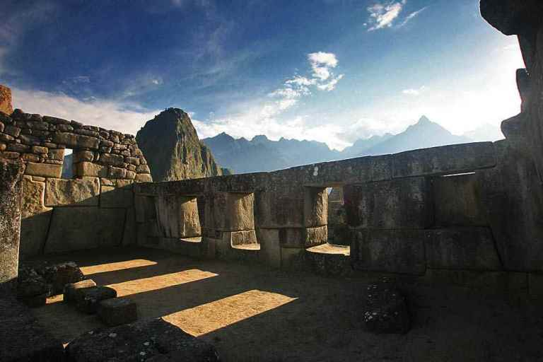 MACHU-PICCHU-3-windows-temple.jpg