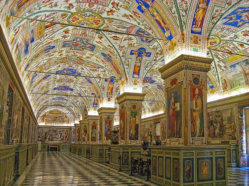 vatican-museum-2.jpg